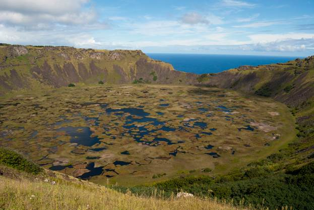 https://www.easterisland.travel/images/media/images/nature/rano-kau-crater-lake-easter-island-volcano.jpg